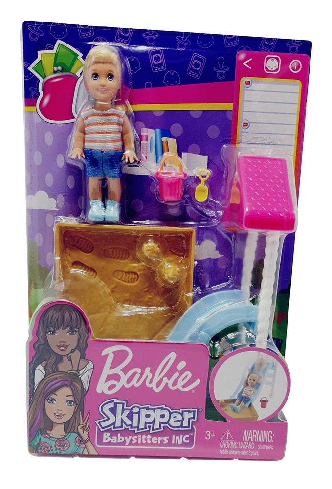 Barbie Babysitter FXG96  Spielset mit Puppe, Sandkasten und Rutsche Skipper