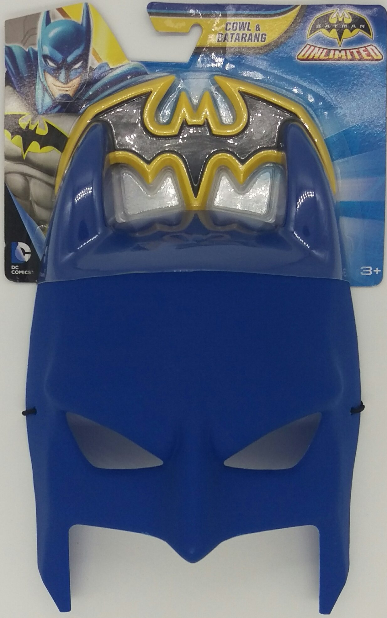 Batman Cowl and Batarang Role Playset by Mattel